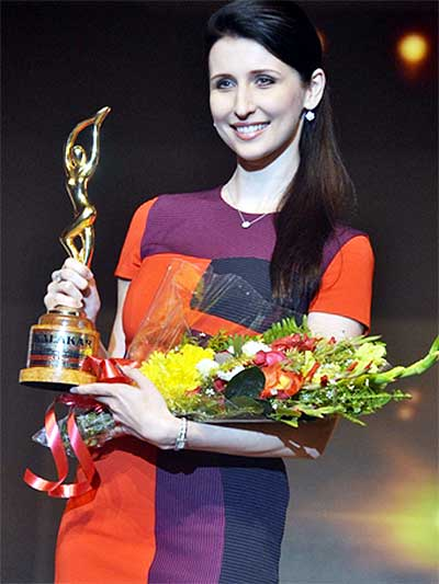 Balam Girl Claudia Ciesla got Foreign Artist Award in Kolkata