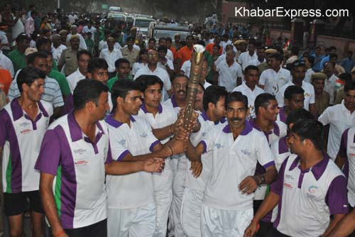 College Girls warm welcome Queen Baton Relay official in Bikaner