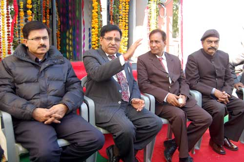 SBBJ DGM Vinod Kochhad addressing in a press conference during new ATM launching at CAD, Bikaner