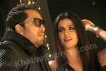 Shibani sung her first Punjabi song Soneya with Mika