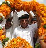 151 Kg Garland offered to Rajasthan Tourism Minister Devi Singh Bhati
