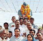 Mayor Bhawani Shankar Sharma, Khajuwala MLA Dr Vishwnath during Garlanding on Statue of Dr Ambedkar