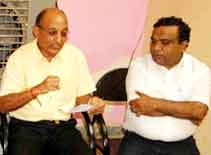 Dr Shyam Agwarwal addressing to journalist in a Press Conference
