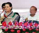 Sonia Gandhi and Santosh Bagrodiya discussing, Dr B D Kalla also can be seen behind