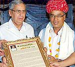 Umrao Salodiya honored in Lok-Sur event held at Hotel Bhawnar Niwas, Bikaner