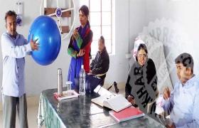 वृद्ध आश्रम में फिजियोथरैपी व मनोचिकित्सा शिविर