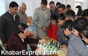 रंगीला स्मृति शतरंज प्रतियोगिताः पहले दिन 7 शातिर रहे संयुक्त बढ़त पर