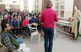 विताली, इरिना ने सिखाये पेन्टिंग के गुरु